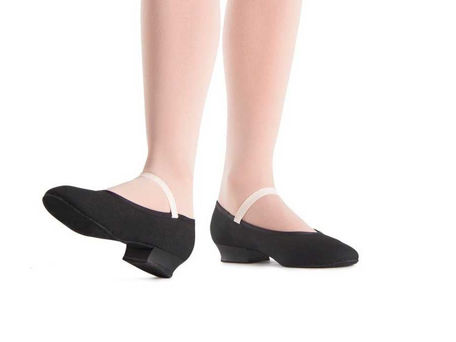 Zapatos mod S0326LU de carácter de tela y tacón bajo de Bloch.